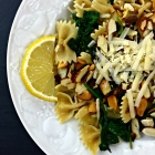 spinach lemon pasta with toasted almonds