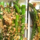easy  broiled asparagus with crispy Parmesan crumbs