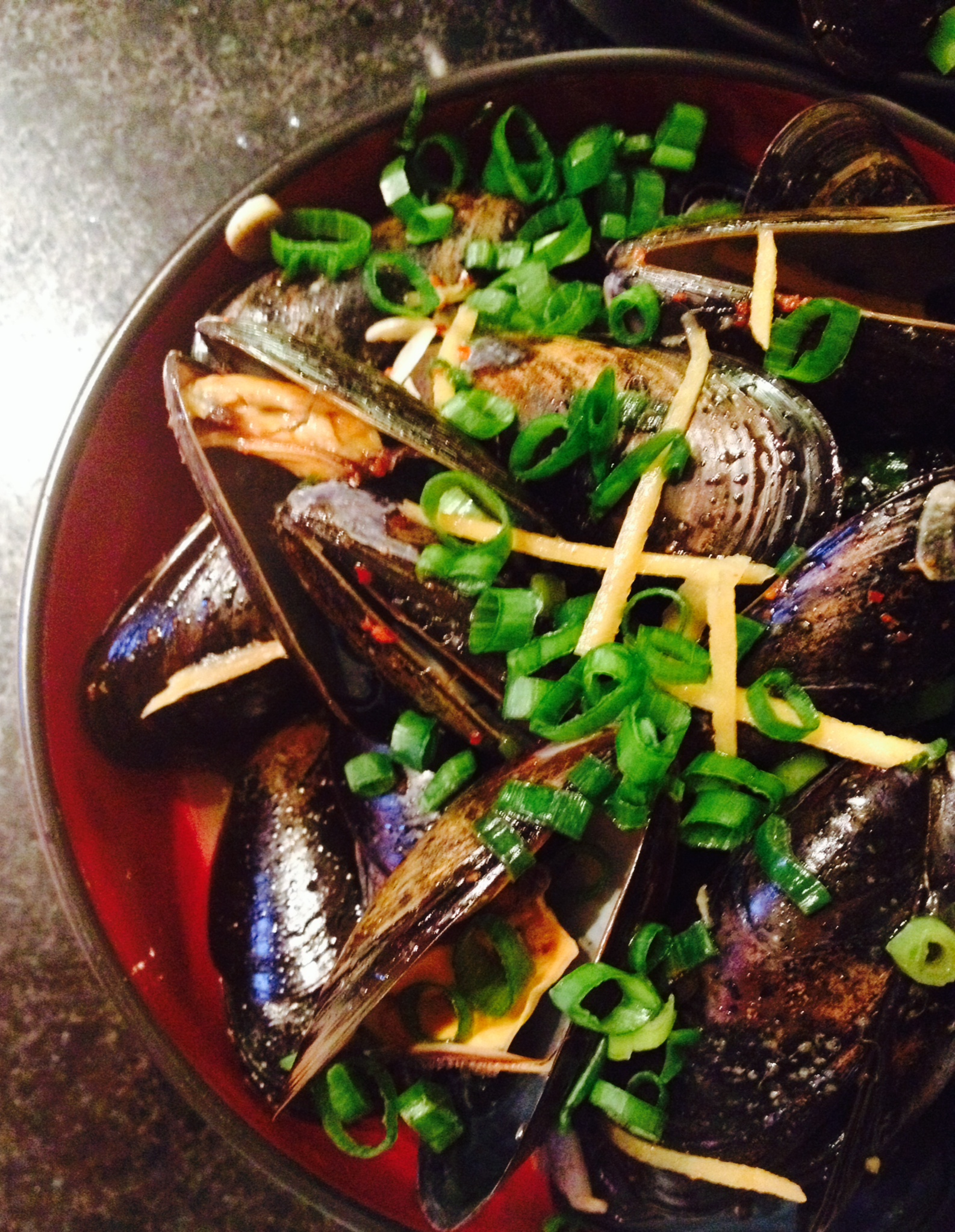 ginger soy butter mussels :: by radish*rose