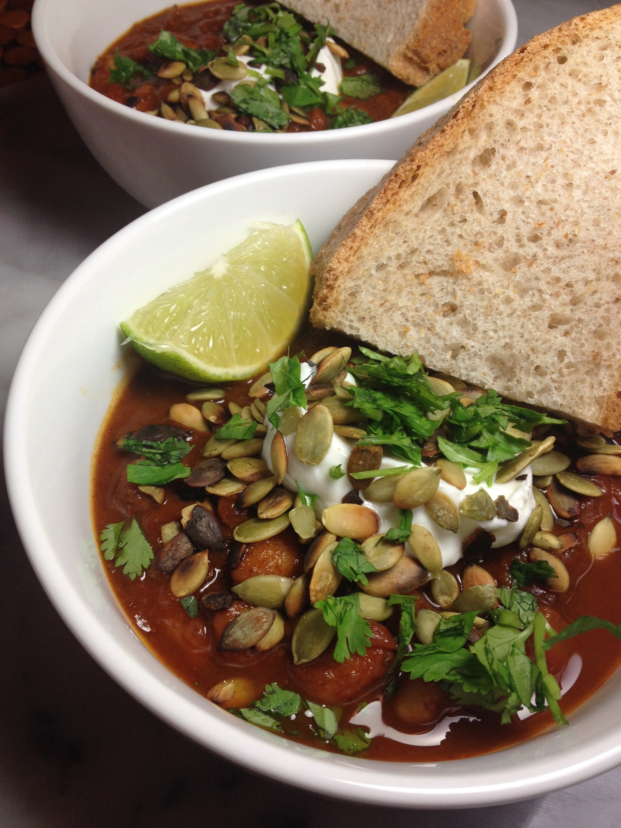 pumpkin chili with fire-roasted tomatoes, white beans and toasted pepitas :: by radish*rose