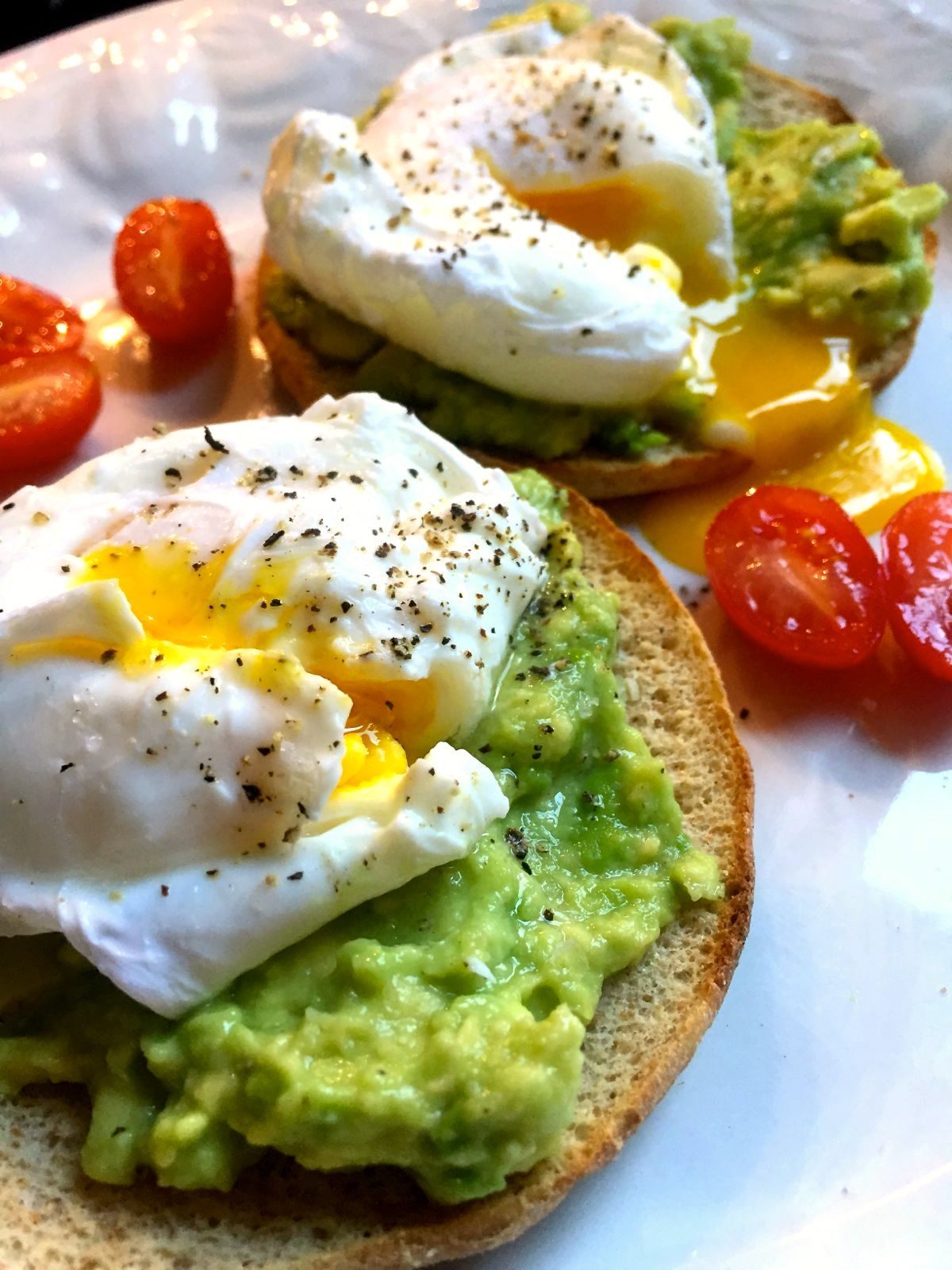 perfectly poached eggs on lemony avocado toast :: by radish*rose