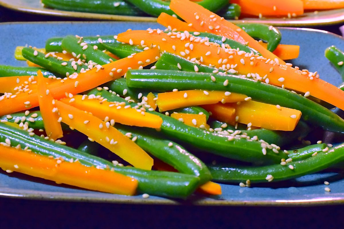 crisp-tender sesame beans and carrots :: by radish*rose