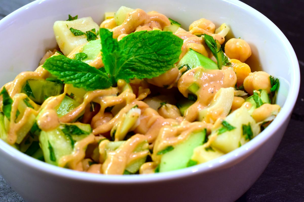 cucumber chickpea mint salad with hearts of palm :: by radish*rose