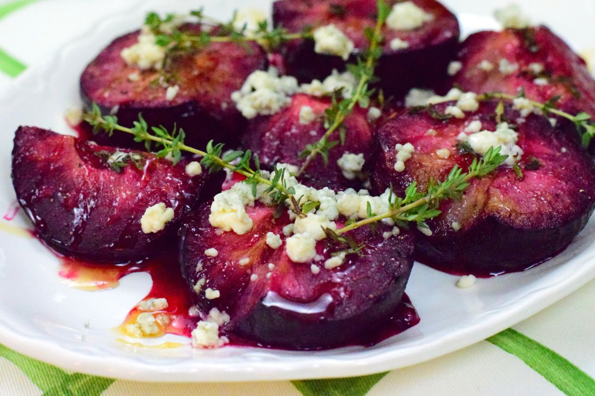 roasted plums with gorgonzola, honey, and thyme :: by radish*rose