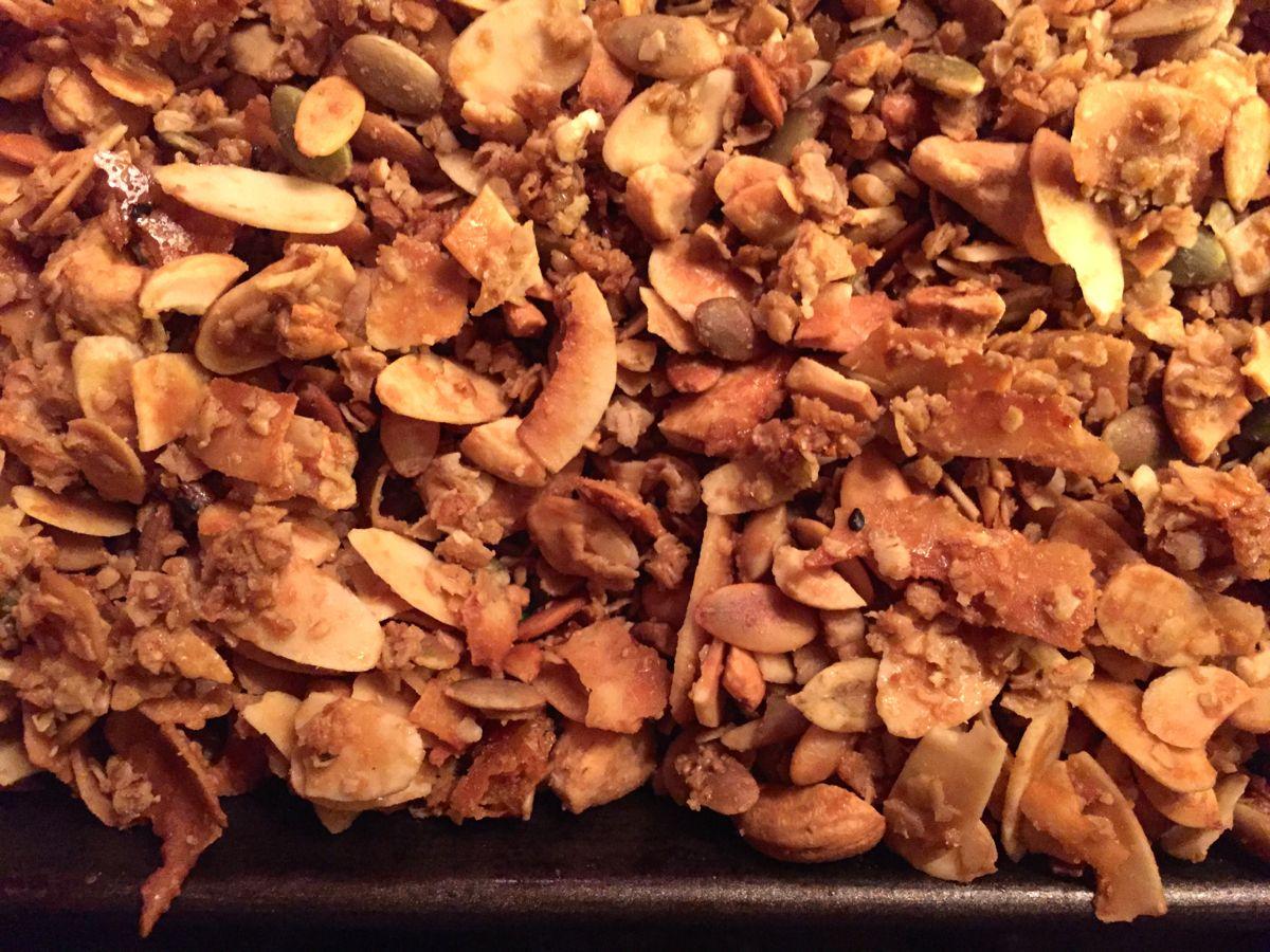 salty-sweet maple granola :: by radish*rose